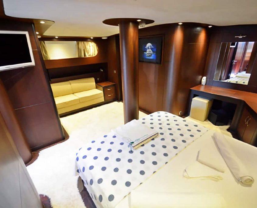 ARTEMIS & SIMAY Master cabin