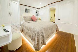 BELLA MARE Double Cabin