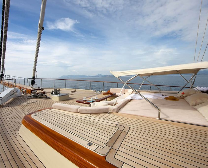 DAIMA Front deck