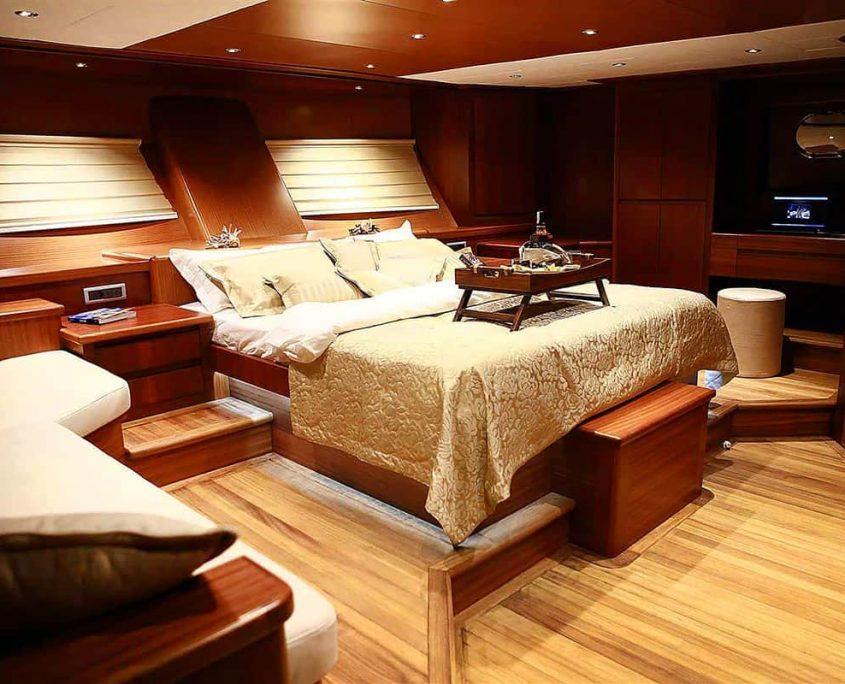 MEZCAL 2 Master cabin