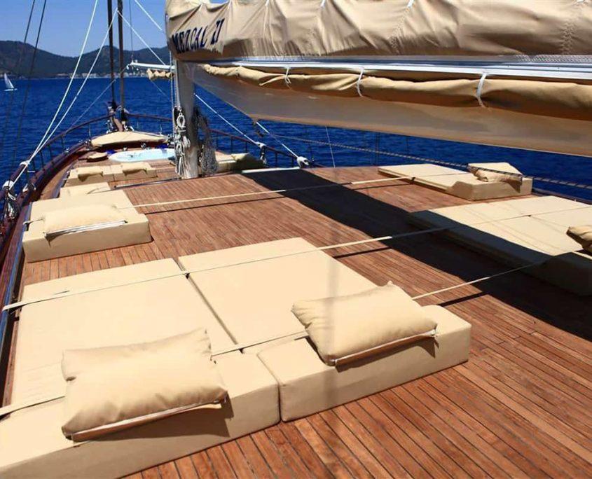 MEZCAL 2 Sun deck