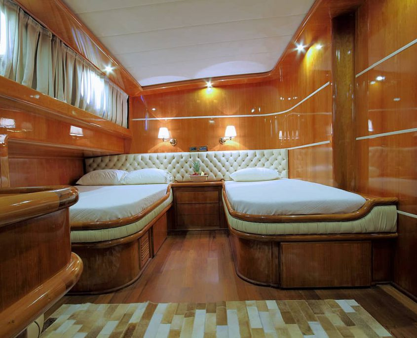 SILVERMOON Guest Cabin 2 (2)
