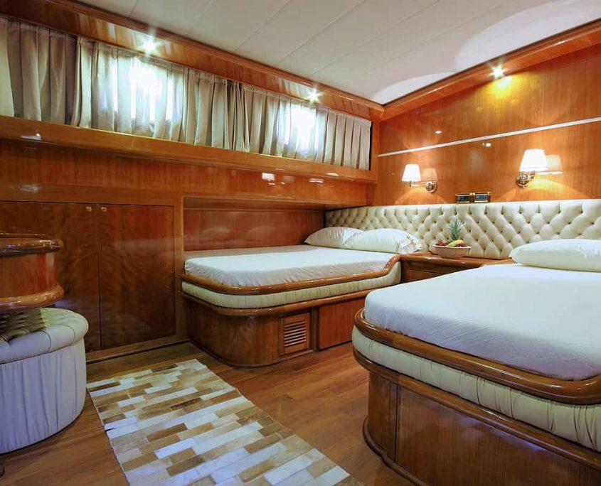 SILVER MOON Guest Cabin