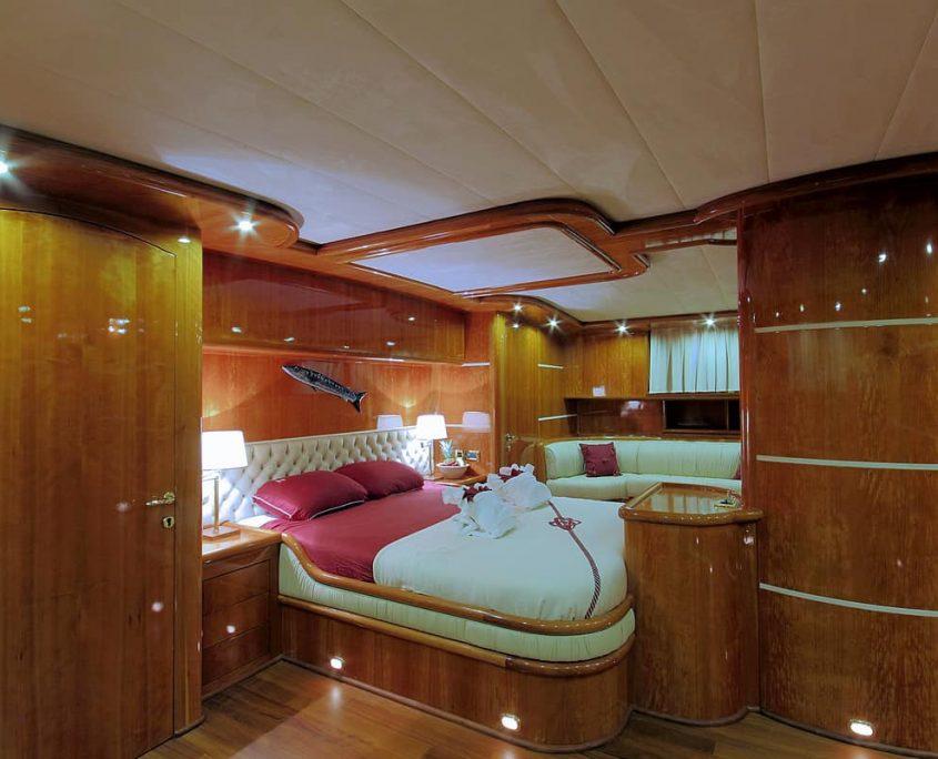SILVER MOON Master Cabin