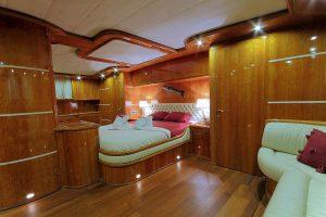 SILVERMOON Master Cabin (4)