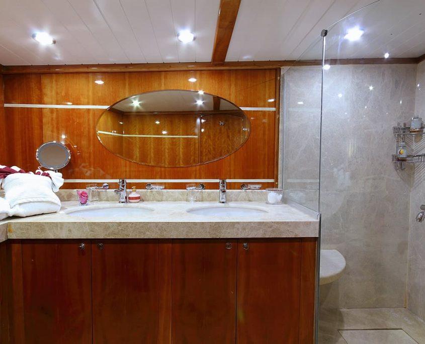 SILVER MOON Vip Bathroom