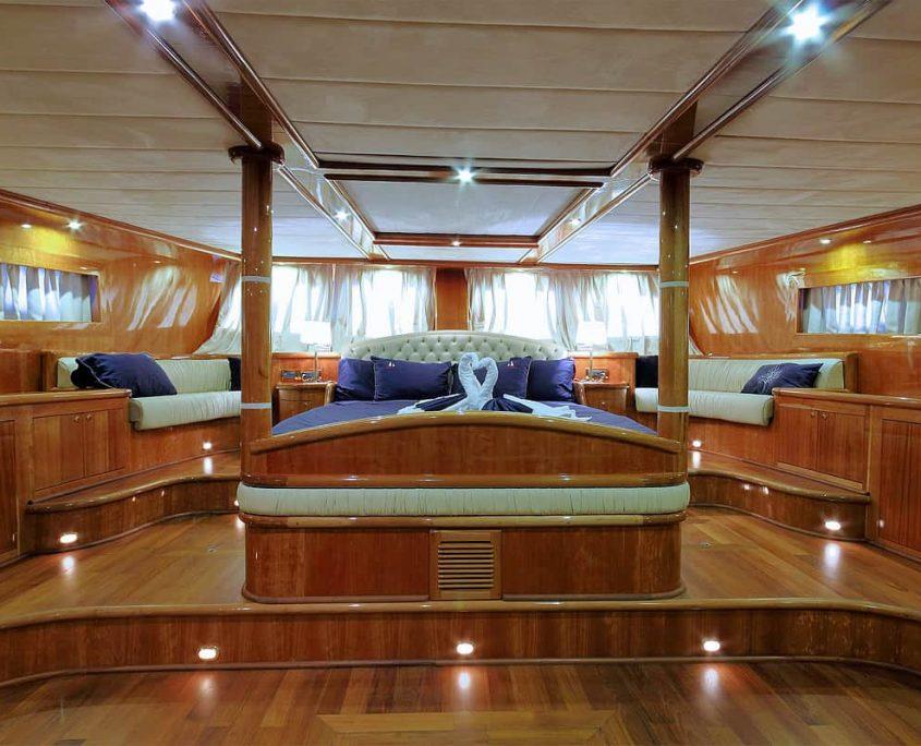 SILVER MOON Vip Cabin