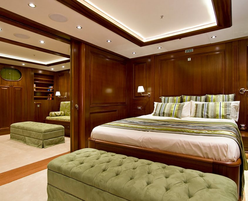 Double Cabin with Queen Size Bed